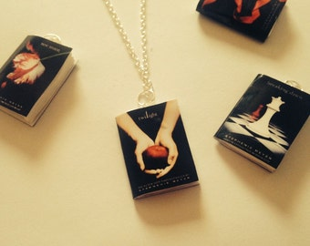 Twilight book inspired necklace