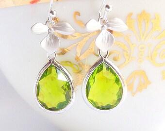 Silver Olive Earrings, Silver Flower Charm Earrings, Silver Earrings, Olivine Earings, Everyday Jewelry, Bridesmaids Earrings, Green Wedding