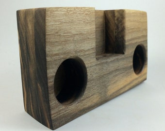 Iphone wood amplifier, walnut, speaker