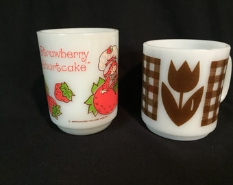 Vintage anchor hocking Strawberry Shortcake and brown tulip milk glass mugs