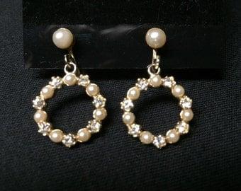 Vintage gold tone pearl and rhinestone earrings