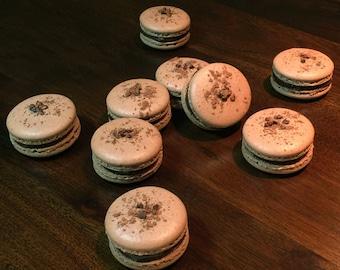 Chocolate Macaron with Ganache (8 pieces)