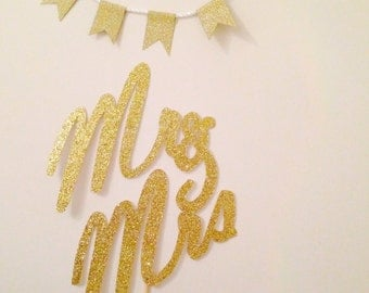 Mr and mrs cake topper, gift tag in glitter.