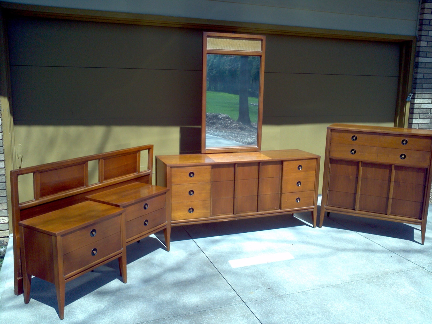 Mid-Century Modern Bedroom Set by ProRefineFurnishings on Etsy