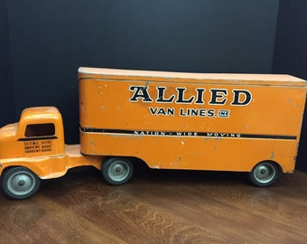Antique Allied Van Lines Truck