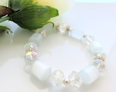 White Beaded Bracelet - Glass Stretch Bracelet - Wedding Bride Jewelry