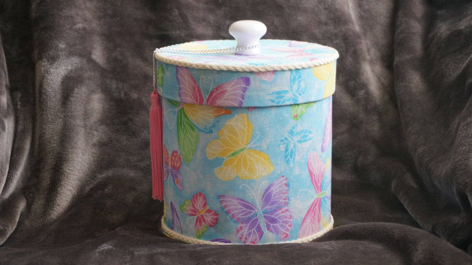 Decorative toilet paper roll covers by spsparklingtreasures for Decorative paper rolls