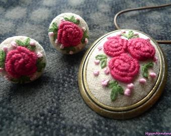 Pink roses necklace/brooch earrings set