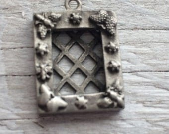 Picture frame charm garden theme bugs and flowers pewter