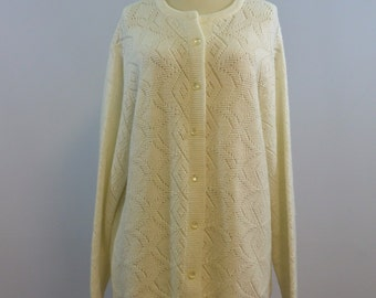 Cream Seamless Cardigan • 60s 70s Vintage Sweater • Moonglow Buttons Size Large XL