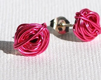 Hand made wire stud earrings - marshmallow colour
