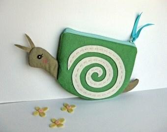 Green Snail Zipper Pouch