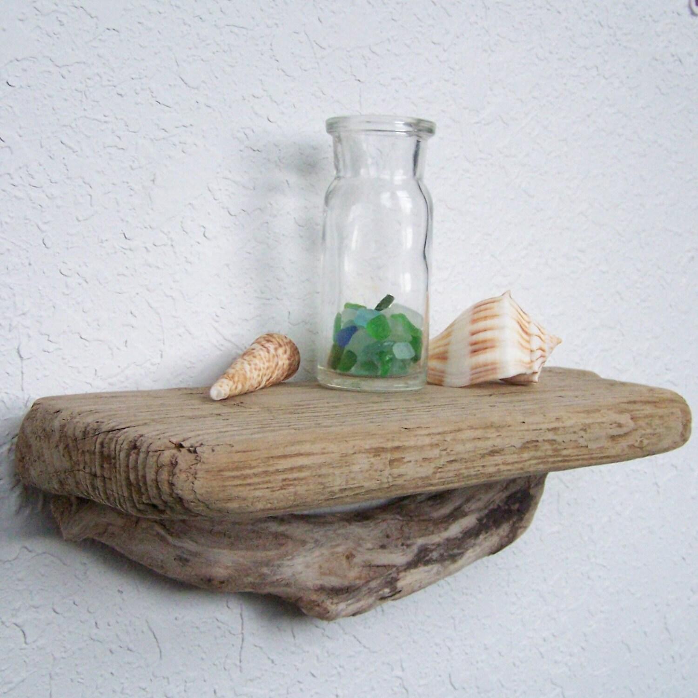 petite tag re en bois plateau bois flott 95 pouces. Black Bedroom Furniture Sets. Home Design Ideas