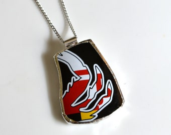 Broken China Jewelry Pendant - Maryland Flag Crab Claw