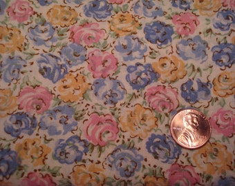 QUARTER YARD vintage fabric FLORAL on cream background