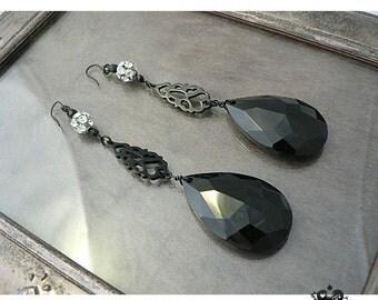 Dramatic Black Teardrops Elegant Gothic Earrings