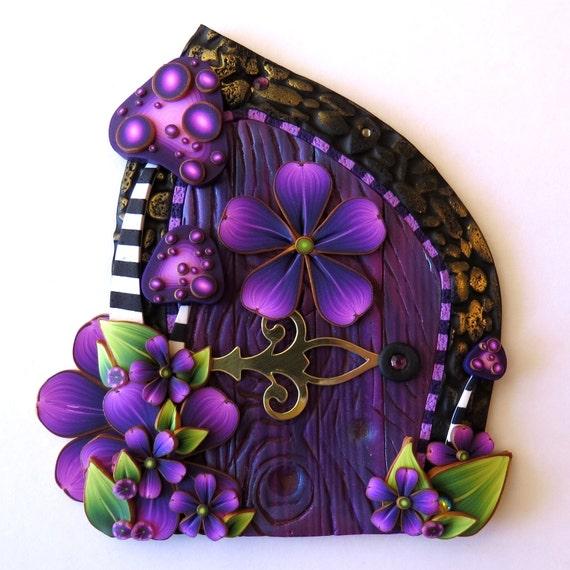 Viola toadstool giardino fata porta wild mushroom pixie for Purple fairy door