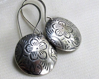 Antique Silver Floral Disc Earrings, Sterling Silver Handmade Earwires, Etched Domed Disc Dangle Earrings