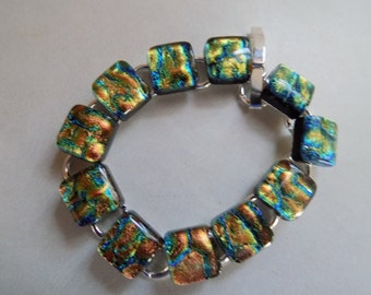 Wavy Pattern Gold Color with Green Tones Fused Dichroic Art Glass Jewelry Silver Plated Link Bracelet