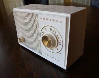 Vintage Radio Amp for Cigar Box Guitar, Standard Guitar, Etc