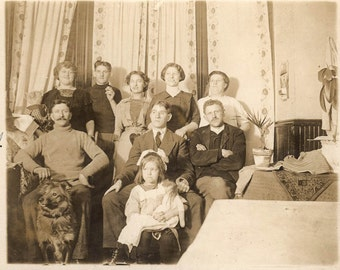 vintage photo Malmo Sweden to Chicago Peter Spalding Dog & Family at Home 1910