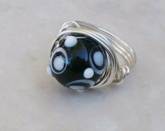Size 7 Ring, Bumpy Glass, CHUNKY BEAD Rings, Fun Jewelry, Black and White Design, Cool Jewelry with Bumpy Bead