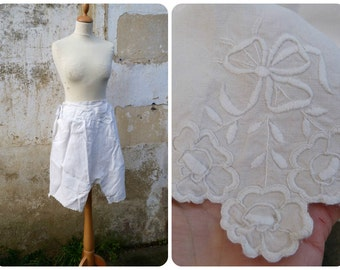 Vintage Antique 1900 French Victorian/ Edwardian cream thin linen bloomers  handmade  embroiderys size S/M