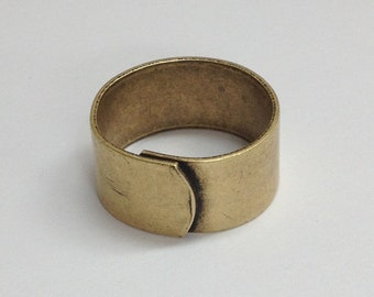 Wide Ring Blanks - 4 Antiqued Brass Ox (oxidized) PLAIN Wide Band Adjustable Ring Blanks