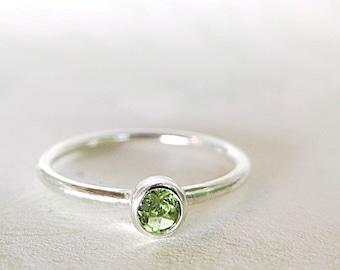 Peridot ring, Sterling Silver, green gemstone, Stacking, Minimal