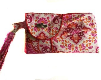 Pleated Floral wristlet pouch clutch/Notting Hill Kaleidoscope Pink Fabric/Home Dec Fabric/Credit card holder/Bridal Wedding Clutch Wristlet
