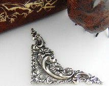 SILVER 2 Daisy Flower Scroll Corner Silver Ox Brass Stampings - Jewelry Ornament Findings (C-1106) #