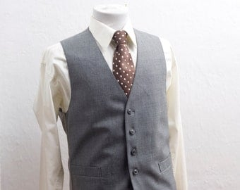 Men's Suit Vest / Vintage Grey Waistcoat / Size 40/Medium long