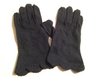 One (1) Pair of Vintage Navy Blue Cotton Ladies Gloves