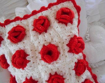 vintage white throw pillow cover, crochet red roses, vintage cotton pink roses floral patterned backing,  big dimensional crochet roses