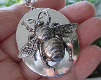 Vintage Silver Queen Bee Locket with Silver Bee on vintage 24 inch chain