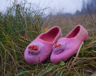 Women slippers Purple Red shoes Wool house shoes Handmade Felted Slippers