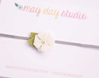 newborn baby/toddler girls felt flower elastic headband - white felt flower on elastic headband - YOU CHOOSE ELASTIC