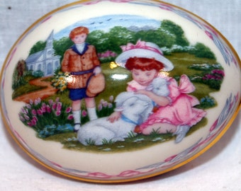 Lenox Sharing Easter Enchantments Easter Egg dated 1992 limited edition