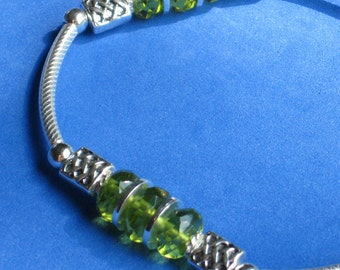 QUALITY Silver stretch bracelet Citrus lime green faceted glass beads Combined Sterling w plated silver metal Jewelers line