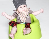 BabyBolt Pacifer Bib- lots of patterns