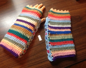 Fingerless gloves wrist warmers button trim