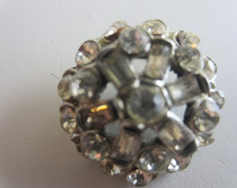 Vintage Button - 1 beautiful  unique flower design rhinestone embellished, antique silver finish metal (lot apr 273)