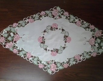 """47"""" x 27"""" Diamond Table Topper with Victorian Pink Roses on Ivory Material"""