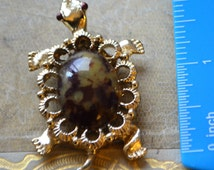 Tortoise  Brooch Faux Tortoise Jelly Belly Cabochon Brooch Pin Pendant Signed Gerry's Gold Filigree Faux Tortoise Shell