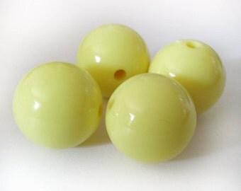 12mm Pastel Yellow acrylic beads - 8pcs