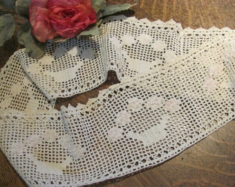 Wow, Lowered Price... Vintage Lace with Raised Flower Baskets.... a Touch of Pink.