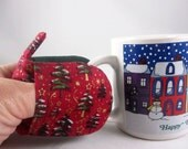 Hot Holders Microwave Oven Finger Mitts - Christmas Trees   Red Green Magnetic Holiday Hostess Gift