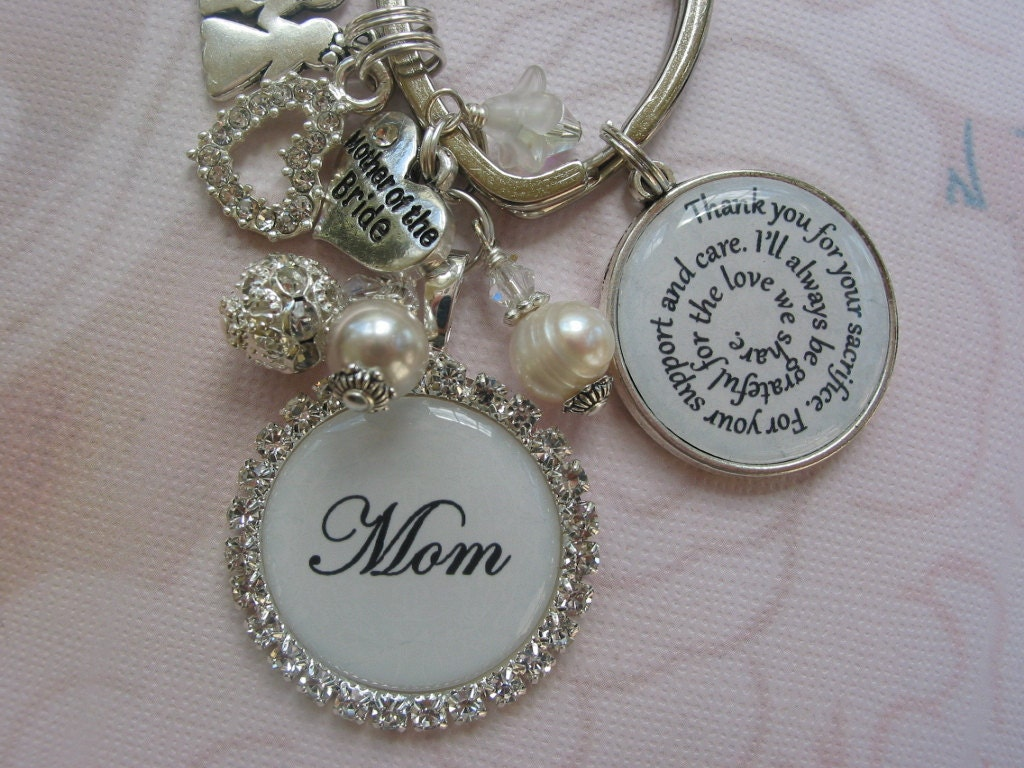 Keychain For Wedding Gift : Personalized wedding gift keychain for mother of the bride