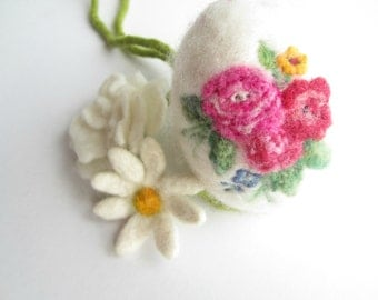 Felt Easter Egg,Needle felted egg,Spring Ornament,needle felted ornament,Easter