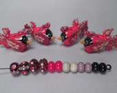 RESERVED FOR SUSAN -- 4 Cardinals, 2 Eye beads, 2 Raked beads, 8 Spacers